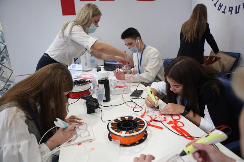 Даешь молодежь! В Ярославле открылся Всероссийский форум профориентации «Проектория»