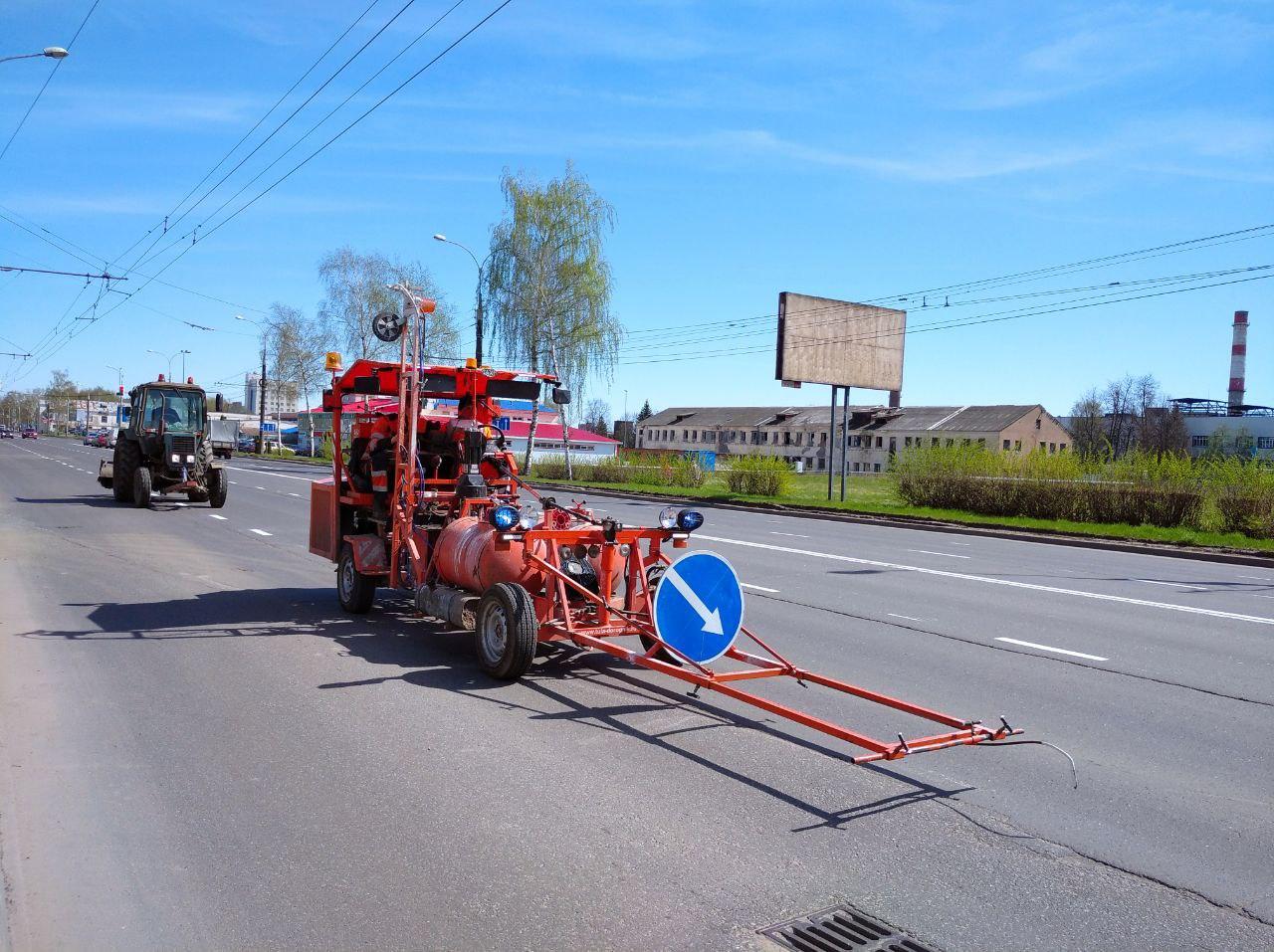 В Рыбинске наносят дорожную разметку