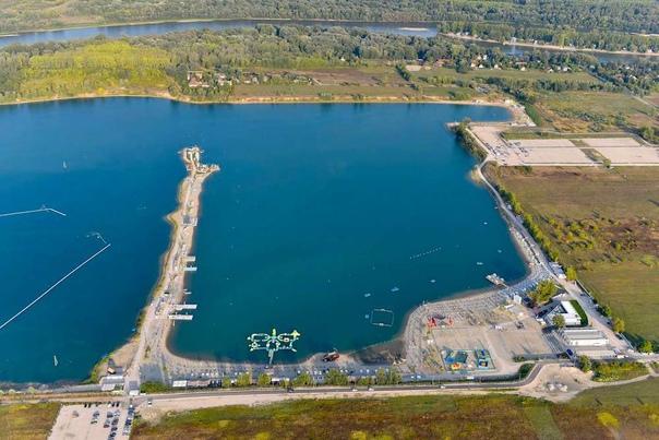 В Будапеште (акватория озера Лупа) стартовал чемпионат Европы по водным видам спорта пловцов-марафонцев,...